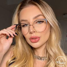 Big Glasses, Girls With Glasses, Glasses Frames Trendy, Glasses Trends, Fashion Eye Glasses, Optical Glasses, Wearing Glasses, Eyeglasses For Women, Eyewear