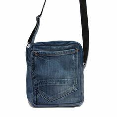 DenimBag Denim Bag Patterns, Sewing Patterns, Blue Jean Purses, Bags Travel, Wedding Humor, Diy Clothing, Jeans Style, Blue Jeans, Messenger Bag