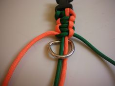 Dogster DIY: How to Make a Paracord Dog Collar | Dogster