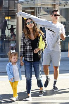 Eva Mendes Fall Weather Jessica Alba Jennifer Lopez Sweater
