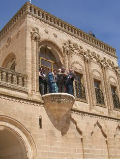 Turkish Architecture, Urban Architecture, Turu, Castle House, Belle Villa, Turkey Travel, Beautiful Places To Travel, Istanbul Turkey, Barcelona Cathedral