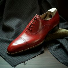 Saint Crispin's - genuine hand made shoes