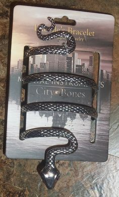 Mortal Instruments City of Bones Isabelle's Bracelet Prop Replica Snake Cuff....I really want this