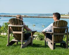 A view that anyone will love of the River at Waterside Fresh Kennebunkport Seafood Restaurant Local Seafood, Seafood Restaurant, Kennebunkport Maine, Outdoor Chairs, Outdoor Decor, Atlantic Ocean, Stunning View, Beautiful Sunset, Great Places