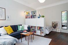 Dekoration Bigger Design Studio Tiny TrickThis Design Trick Will Make Your Tiny Studio Look Way Bigger Studio Apartment Design, Small Apartment Interior, Studio Apartment Decorating, Apartment Living, Tiny Apartments, Tiny Spaces, Deco Studio, Tiny Studio, Deco Design