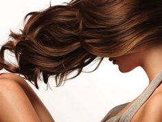 Maschera per Capelli Fai da Te al Miele http://www.comefaremania.it/maschera-capelli-fai-te-al-miele/ #comefare #faidate #capelli