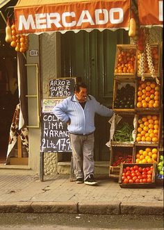 A market in Montevideo, Uruguay. Places Around The World, Around The Worlds, Expo Milano 2015, South American Countries, Art Deco Buildings, Paraiba, Old Port, World's Fair, Viajes