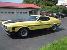 1972 Ford Mustang Mach 1 $37,000  by Magnusson Classic Motors in Scottsdale AZ . Click to view more photos and mod info.