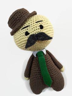 Amigurumis ganchillo muñeca, hecha de 100% algodón de alta calidad (DMC Natura) con fieltro insertos. Es un carácter inconformista, muy