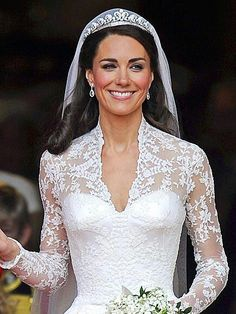 Trendsetter/Bride. Dutchess of Cambridge wore LACE and inspired the whole World to do the same. Beautiful.