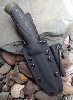 Mora MG custom kydex sheath in black with leather loop - Grizzly Elite