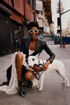 Stylist Theresa Pichler Latest Editorial for InStyle Germany with Imade Ogbewi Streetwear Mode, Streetwear Fashion, Editorial Photography, Fashion Photography, Street Photography, Modell Street-style, Mode Editorials, Fashion Editorials, Sleeveless Outfit