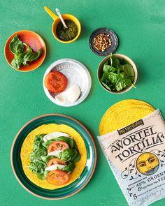 De Wortel Tortilla Caprese - No Fairytales De Groente Tortilla Healthy Dishes, Healthy Snacks, Healthy Recipes, Vegan Meal Plans, Happy Foods, Wrap Recipes, Evening Meals, Food Menu, Diy Food