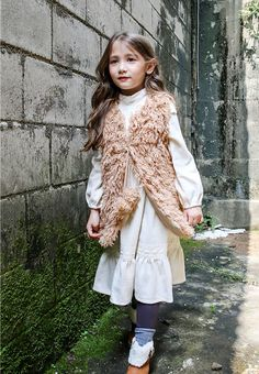 Flo's first Winter products are here and they are fabulous! More will be added soon, while the Fall collection starts to sell out. See the new products: www. Stylish Kids, Girly Outfits, Fall Collections, Winter Looks, Winter 2017, Fashion Brands, Shop Now, Kids Fashion, Alice