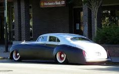 hotrod rolls royce -Lowrider down in the Hood.