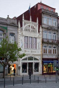Livraria Lello, Porto, Portugal Braga Portugal, Visit Portugal, Portugal Travel, Great Places, Beautiful Places, Places To Visit, Funchal, Livraria Lello Porto, Porto City