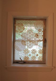 Add Privacy To Plain Windows With Lace