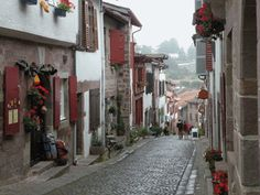 Website for American Pilgrims on the Camino providing all kinds of advice. Click through or here's the link : http://www.americanpilgrims.com/