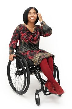 Dress Nicole from Chairmelotte Wheelchair Couture is a two part dress, with special extra's for wheelchair users