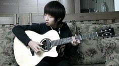 (Bruno Mars) Grenade - Sungha Jungthis guy is awesome!!!!