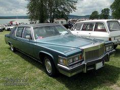 cadillac-fleetwood-limousine-1979-01