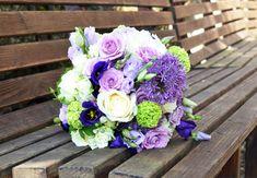 #Hochzeit in #Lila geplant? Dann passt dieser #Brautstrauß perfekt. #Alium und #Rosen eine tolle #Kombination - #weddingdecor #bride #bouquet #wedding #ideas #bridebouquet