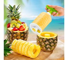 Kráječ na ananas, zelená-bílá | magnet-3pagen.cz #magnet3pagen #magnet3pagen_cz #magnet3pagencz #3pagen #kuchyn #vareni Shops, Pineapple, Fruit, Kitchen, Food, Tents, Cooking, Pine Apple, Kitchens