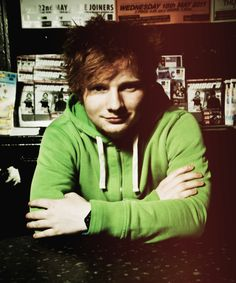 I love the fact that when Ed Sheeran performs live, there is no unrecognized band playing along. Its JUST HIM.