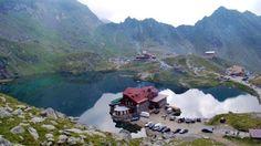 Lacul Balea  25 de poze din frumoasa Romanie (partea 1).  Vezi mai multe poze pe www.ghiduri-turistice.info  Sursa : www.pinterest.com/pin/17451517276049474/