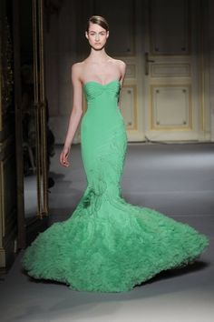 http://bmmoejackson2.files.wordpress.com/2013/01/runway-models-paris-fashion-week-haute-couture-spring-2013-photos-pics-14.jpg?w=399