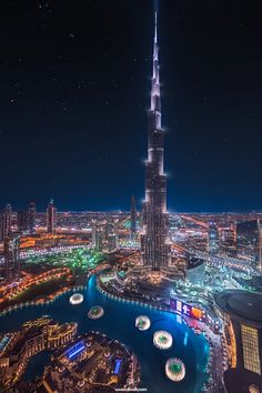 Burj Khalifa, Dubai / Twisted Dance by Rilind H Syed. Palmeninsel Dubai, Dubai City, Amazing Buildings, Amazing Architecture, Modern Buildings, Landscape Architecture, Building Architecture, City Aesthetic, Travel Aesthetic