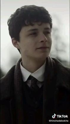 Gilbert Blythe, Cute Celebrity Guys, Cute Celebrities, Aesthetic Movies, Aesthetic Videos, Gilbert And Anne, Anne White, Anne Shirley, Anne Of Green Gables
