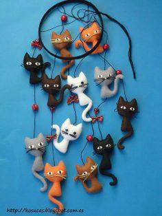 movil de gatos