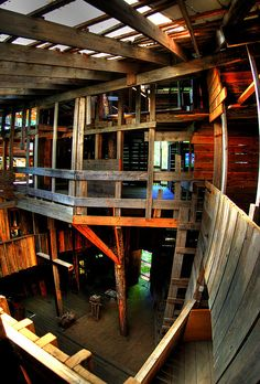The Inside of The Minister's Tree House, Crossville, TN by Chuck Sutherland, via Flickr