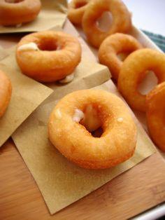 DOLCEmente SALATO: Bomboloni fritti con scamorza affumicata