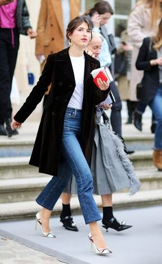 French-Girl Jean Outfits