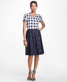 We want this Gingham Cotton Twirl Blouse from #BrookBrothers. And these shoes!! Head over to Brook Brothers here at The Promenade.