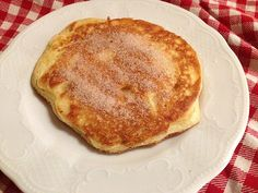 Omas Apfelpfannkuchen, ein gutes Rezept aus der Kategorie Mehlspeisen. Bewertungen: 210. Durchschnitt: Ø 4,6.