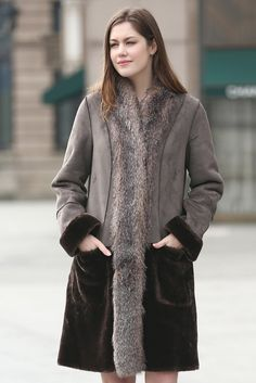 - Faux shearling coat with sheared mink faux fur - Dry Clean Only - Genuine simulation of sheared mink faux fur - Timeless design with hintd of modern details - Superior soft for added coziness and wa
