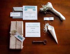 Coordinato partecipazioni di nozze: invito, segnaposto, cono portariso, biglietto bomboniera. Powered by: Il Laboratorio di Carta.