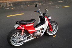 """Honda Super Cub độ bánh ôtô """"siêu to khổng lồ"""" ở Tây Ninh - Hình 2 Honda Cub, Vespa, Cubs, Motorcycle, Adventure, Street, Creative, Ideas, Custom Motorcycles"""