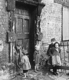 Ireland, Dublin, Circa Children in the slums of Cumberland Street, Dublin Get premium, high resolution news photos at Getty Images Dublin Street, Dublin City, Oscar Wilde, Old Pictures, Old Photos, Ireland Pictures, Vintage Photographs, Vintage Photos, Ireland Homes