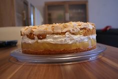 biscuit and buttercream: Apfel-Baiser-Torte