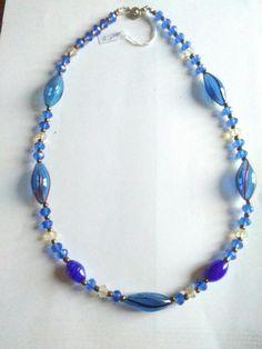Guarda questo articolo nel mio negozio Etsy https://www.etsy.com/it/listing/266096483/collier-in-vetro-soffiato-e-cristallini