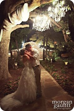 Perfect wedding photo!