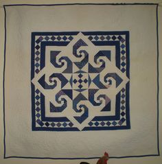 Variation of Star Reel. The pattern, designed by Judy Martin is in the book Scrap Quilts. This quilt was made by Ann Champion. Two Color Quilts, Blue Quilts, Star Quilts, Mini Quilts, White Quilts, Quilting Projects, Quilting Designs, Quilting Tips, Patch Quilt