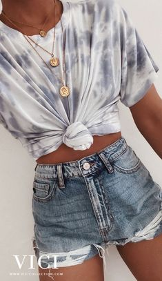 As We Showcase The Best Of Loungewear, Versatile Basics, Wear Now Styles + Exclusives You Won't Want To Miss. VICI Collection Embodies Everything Beautiful, Chic + On Trend. Teen Fashion Outfits, Look Fashion, Sport Outfits, Fashion Clothes, Tie Dye Outfits, 2000s Fashion, Trendy Teen Fashion, Fall Fashion, Fashion Hacks