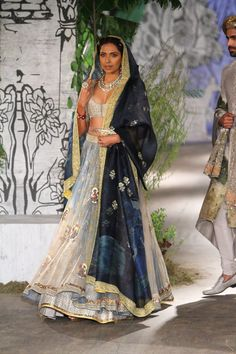 Complete collection: Anju Modi at India Couture Week 2017