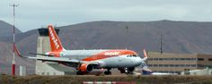 Canary Islands Spotting....Spotters..Aviones : G-EZOX Airbus A320-214 @easyJet #Fuerteventura #Sp...