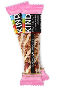 KIND Dark Chocolate Chili Almond is a sweet and spicy blend of mixed nuts drizzled in chocolate. Spice up your next snack with our Dark Chocolate Chili bar. Kind Snacks, On The Go Snacks, Healthy Snacks, Kind Granola Bars, Kind Bars, Almond Fruit, Cranberry Almond, Gourmet Recipes, Snack Recipes